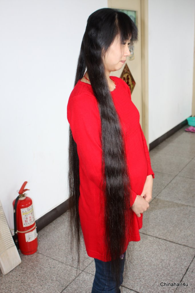 a26 description she is a pretty young girl of 22 years old she gets